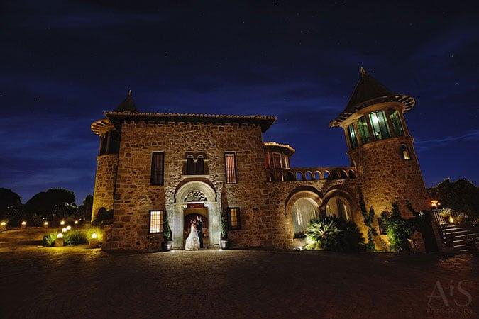 Boda americana en Aldea Santillana, destination wedding