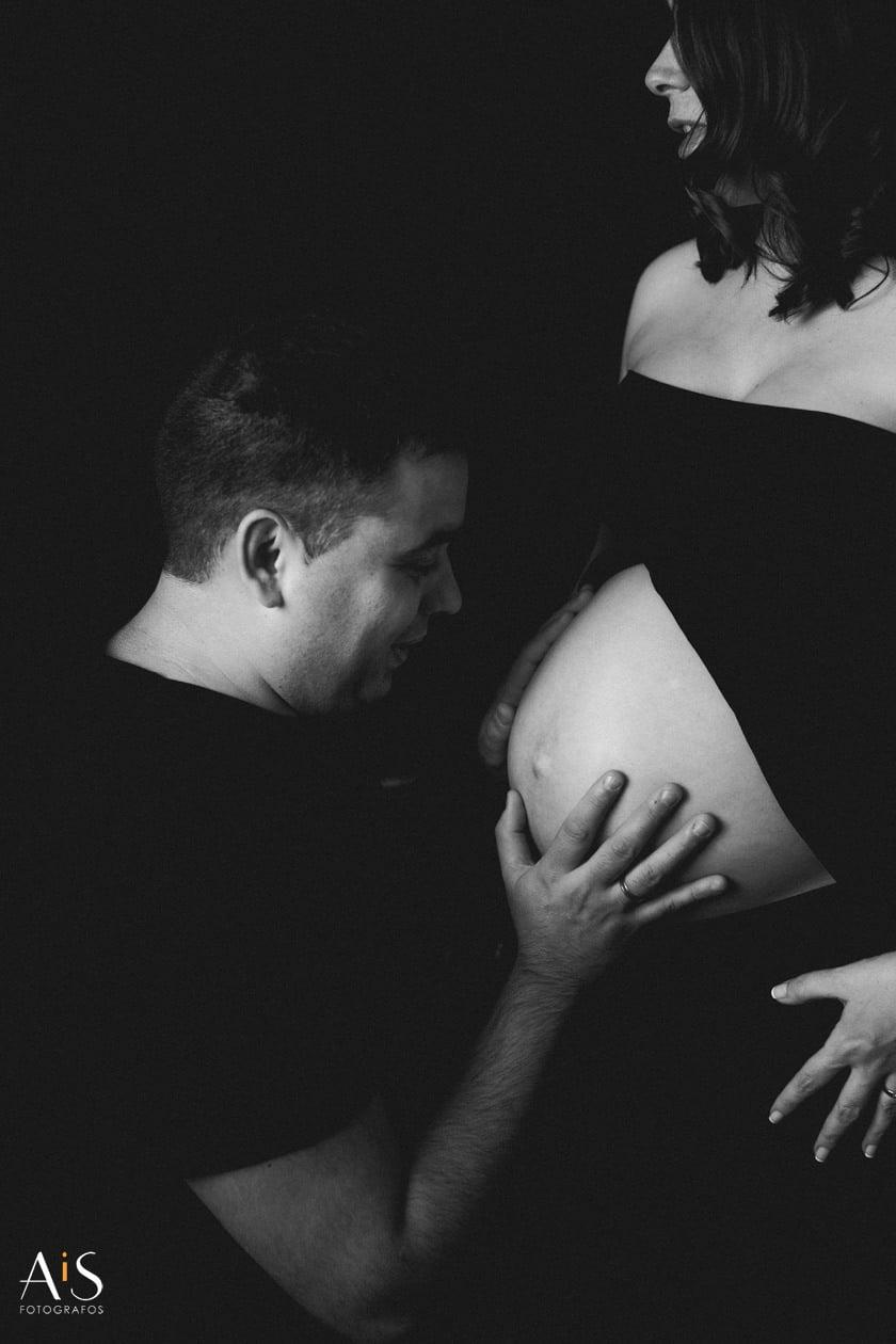 Reportaje de embarazo en estudio